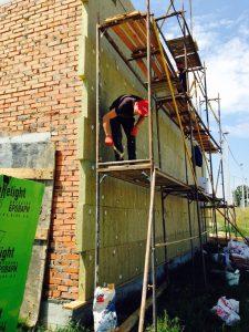 """04.07.2016 початок утеплення фасадів, системою """"Baumit"""" .Мінеральною ватою 100 мм"""